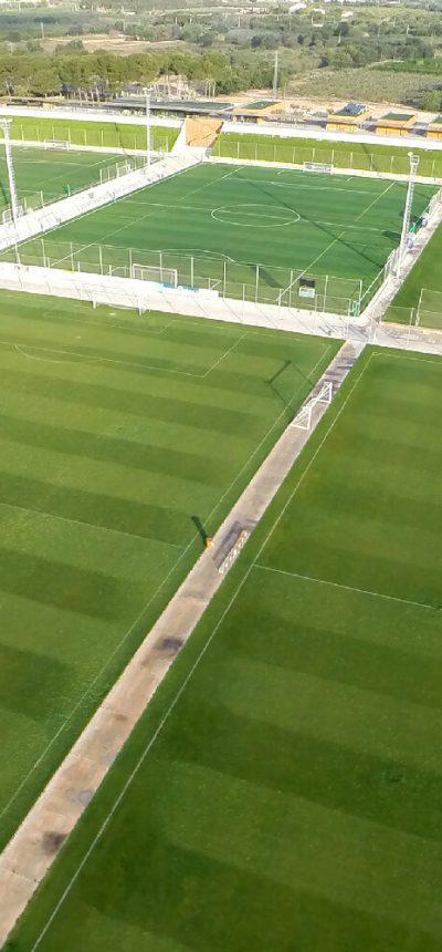 Vivi un torneo di calcio in Spagna su eccellenti campi in erba alla Copa Daurada