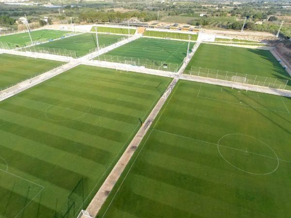Erlebe ein Fußballturnier in Spanien auf hervorragende Rasenplätzen bei der Copa Daurada